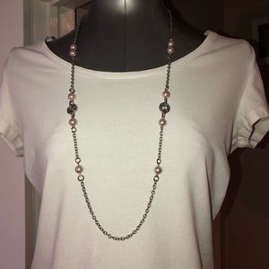 Silver, long necklace with rhinestone & pearls